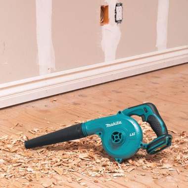 Makita cordless blower review: Tool presentation
